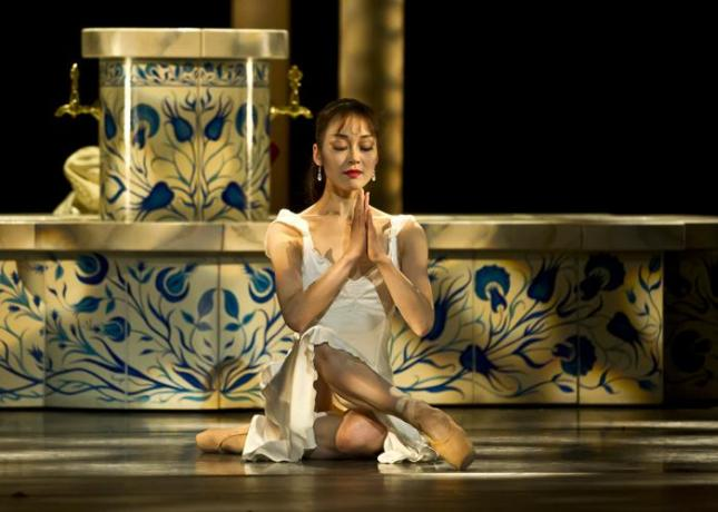 "Nao Sakuma, David Bintley's ""Aladdin"", Birmingham Royal Ballet"