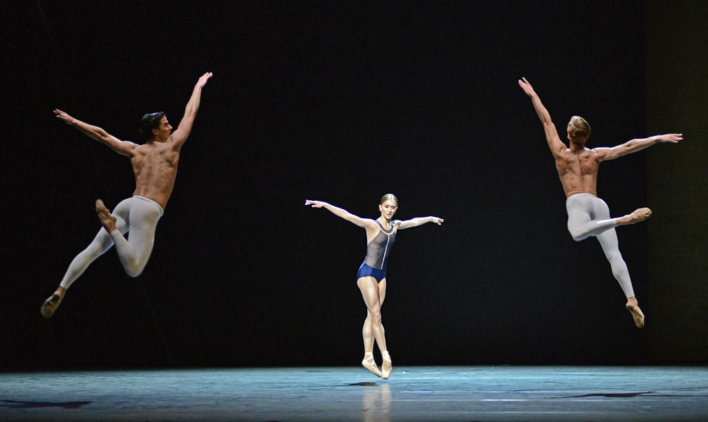 Dawid Trzensimiech   Ballet: The Best Photographs