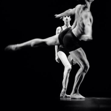 "Diana Vishneva and Marcelo Gomes, ""Vertigo"" / © Nikolay Krusser"