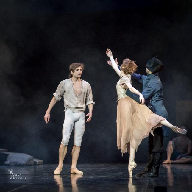"lena Shkatula and Friedemann Vogel, The Port Scene, ""Manon"" / © Jack Devant"