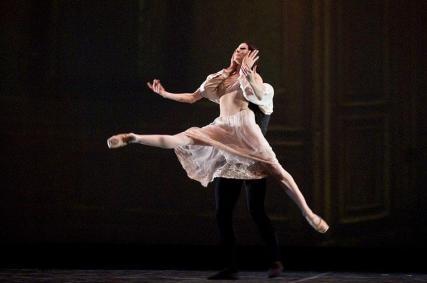 "Isabelle Ciaravola and Marcelo Gomes, ""The Lady of the Camellias"" / © Marina Goulyaeva"