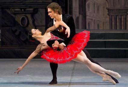 """Natalia Osipova and Ivan Vasiliev, """"Don Quixote"""" / © Stas Levshin"""