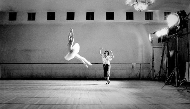 NINA ANANIASHVILI with main teacher Raisa Struchkova, Bolshoi Ballet, Moscow, Russia, 1988 (3)