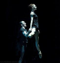 "Yekaterina Kondaurova and Islom Baymuradov, ""Middle Duet"", Mariinsky Ballet / © Nikolay Krusser"