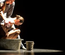"Vera Arbuzova, ""Angel of the Washing"" (Стирающий Ангел) / © Nikolay Krusser"