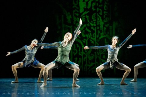 "Olimpia Alfa, Tatiana Miltseva and Sabina Yapparova, ""Duende"", Mikhailovsky Ballet / © Nikolay Krusser"