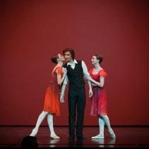 Kristina Kretova, Artem Ovcharenko and Anna Tikhomirova, «Triangle» © Mark Olich