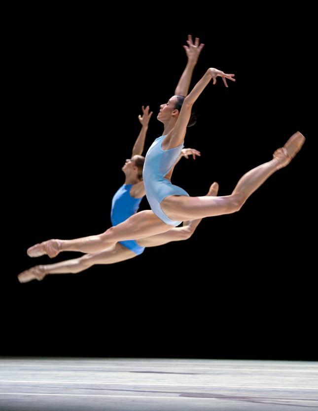 © Pacific Northwest Ballet