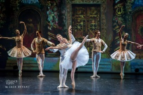 Kristina Kretova and Semen Chudin - © Jack Devant