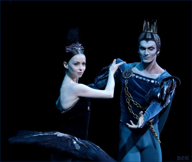 Yekaterina Krysanova and Artemy Belyakov - © Yekaterina Vladimirova