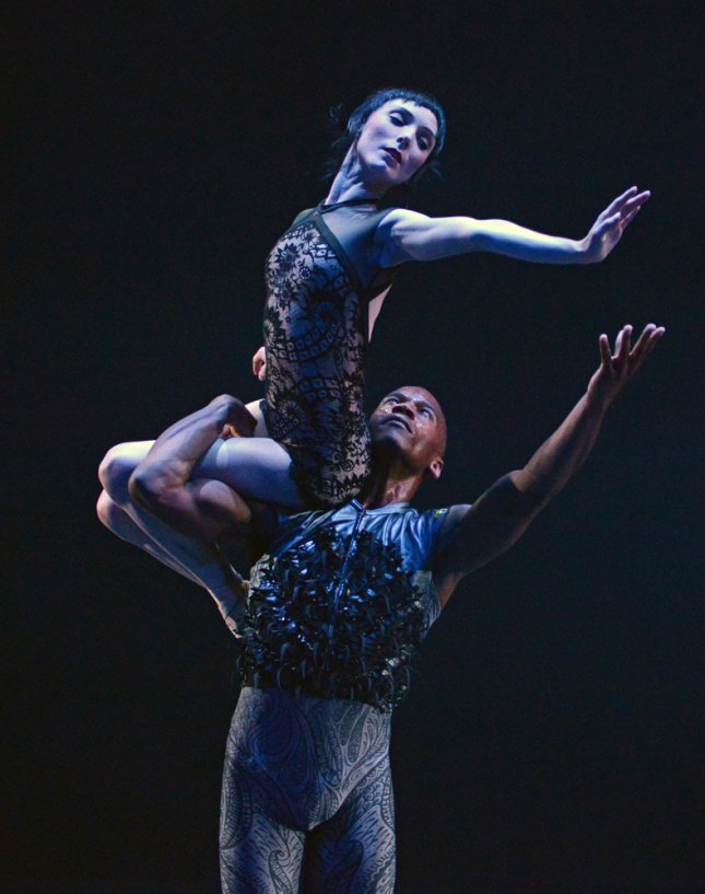 Sarah lamb and Erik Underwood, Raven Girl © Dave Morgan/ROH/Dance Tabs