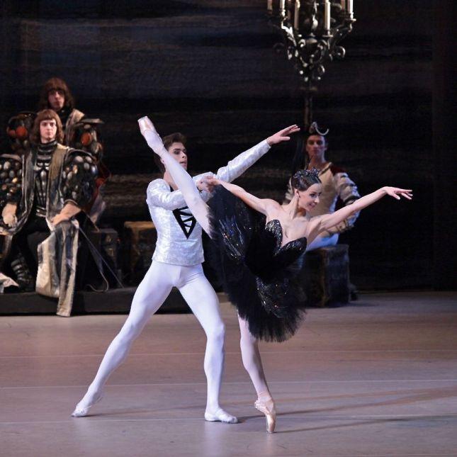 Kristina Kretova and Artem Ovcharenko dancing leads in Swan Lake