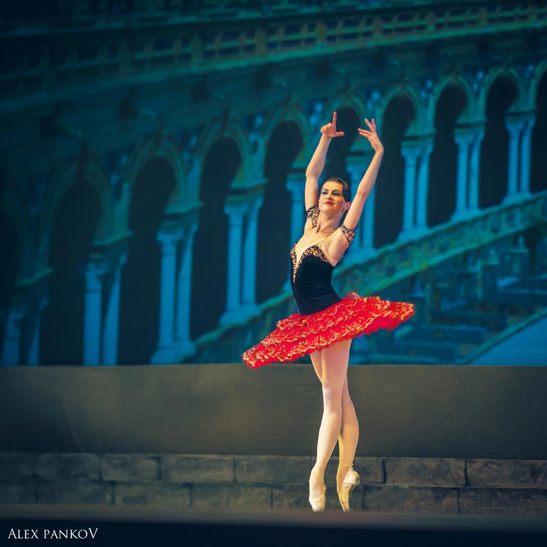 нитяная александра тимофеева балерина фото сабли прошли