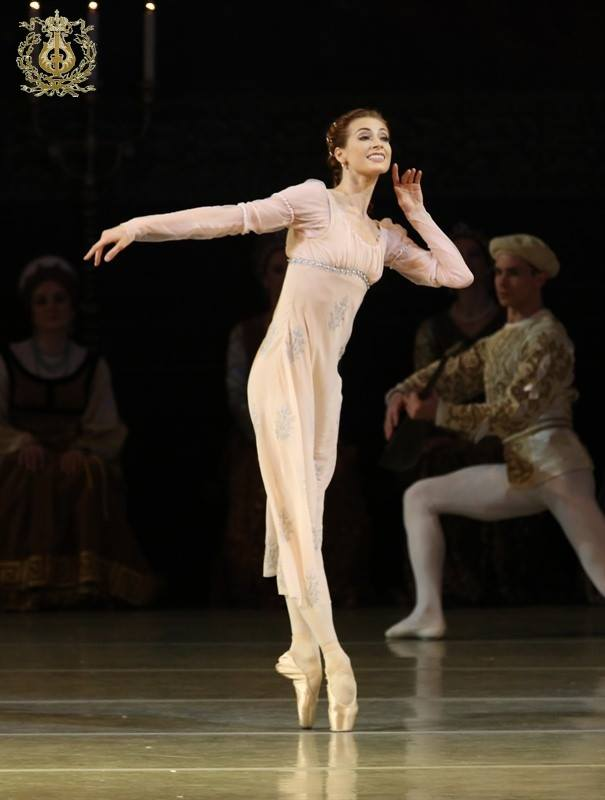Yekaterina kondaurova and evgeny ivanchenko, swan lake, mariinsky ballet source and more info at