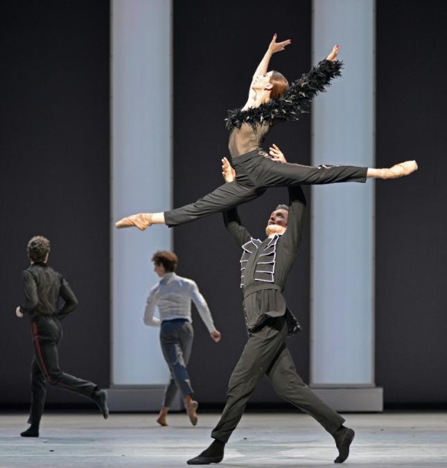 Anna Tikhomirova and Artemy Belyakov - © Dave Morgan