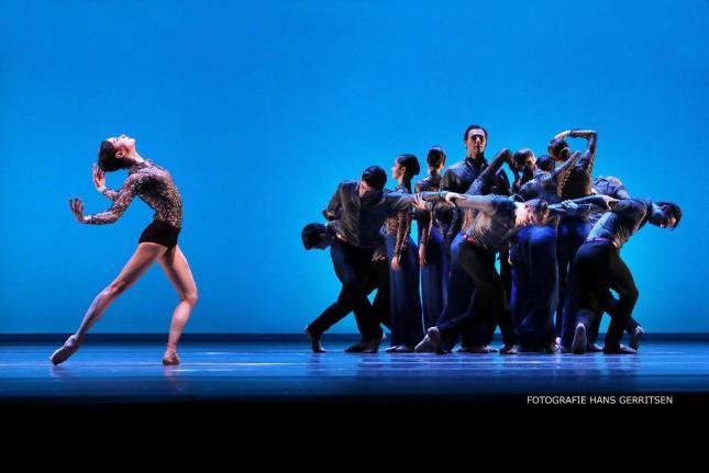 Anna ol and Corps de Ballet - © Hans Gerritsen